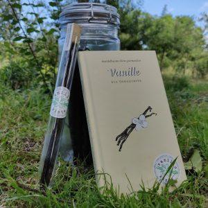 Jetzt bei uns im Webshop: Mandelbaums kleine Gourmandise No. 27 Vanille von Eva Derndorfer